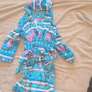 Girls hooded robe with Owls